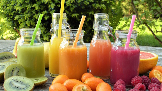 Holistic Living With Rachel Avalon - Smoothies vs Jucies